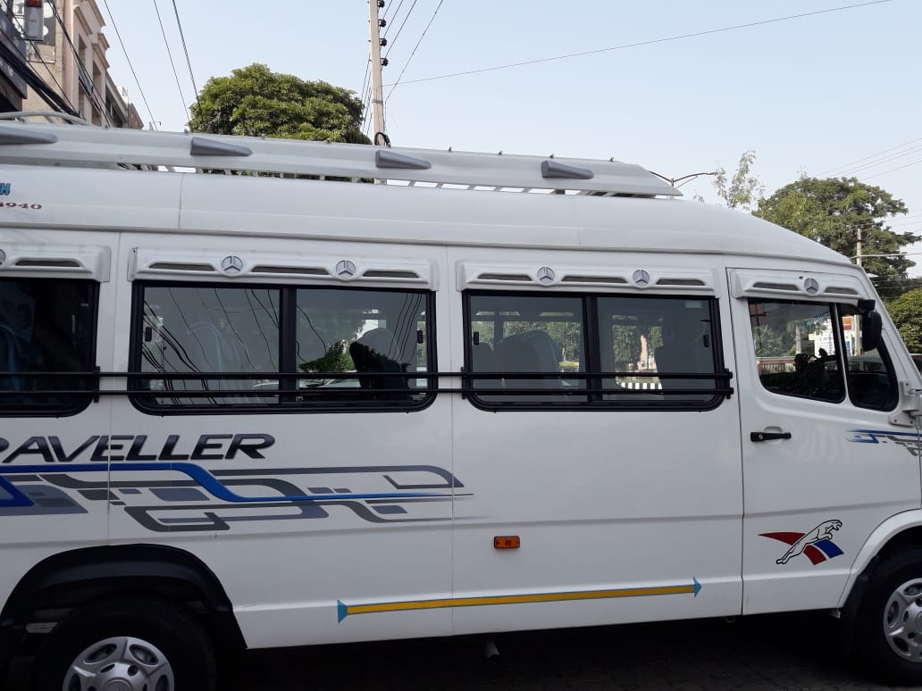 17 seater Tempo Traveller in Chandigarh